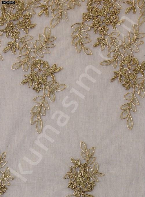 Eteği Sulu Çiçek Desenli Gold Nakışlı Gold Kordoneli Dantel Kumaş - K5061