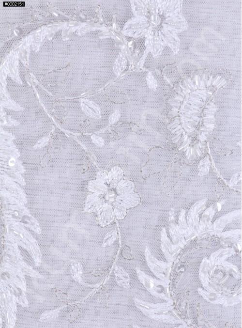 Çiçek Desenli Boncuk İşlemeli Beyaz Kumaş - K5622