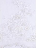 Eteği Sulu Boncuk İşlemeli Beyaz Kumaş - K5629
