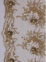 Gelinlik ve Nişanlık Kenarı Dilimli Çiçek Desenli Taşlı Gold Kumaş - K5679