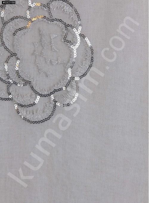 Çiçek Desenli 3 MM Payetli ve Simli İşlemeli Gümüş Kumaş - K9356
