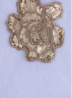 Eteği Sulu Gül Desenli Gold Payetli Kumaş - K9676